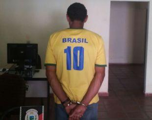 Pai é preso acusado de embriagar o próprio filho de cinco anos