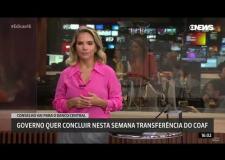 Apresentadora é flagrada dançando ao vivo durante telejornal da Globo: ASSISTA