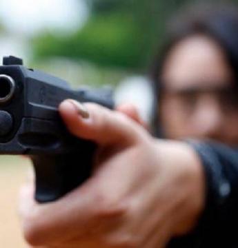 Adolescente é morto a tiros dentro de banheiro de escola pública