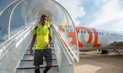 Avião com jogadores do Flamengo arremete em São Paulo
