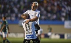 Polícia aborda craque do Santos em blitz e vídeo viraliza na web; assista
