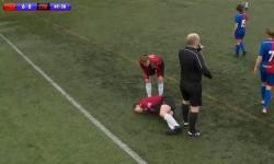 """Imagem forte: jogadora desloca o joelho e põe de volta """"no tapa"""""""