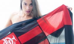 Fotos! Torcedora vira musa fitness e mostra corpão e amor pelo Flamengo no Instagram