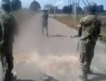 VÍDEO FORTE: Homens espancam e matam mulher nua a tiros