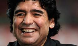 URGENTE: Maradona more aos 60 anos na Argentina