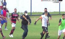 Tiros, prisão e confusão marcam jogo durante partida de futebol – VEJA VÍDEO