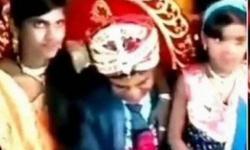 Cunhada viraliza ao beijar noivo na boca durante casamento: ASSISTA