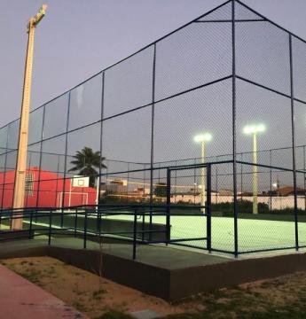 Emenda de mais de R$ 1 milhão do Senador Veneziano garante a entrega de quadras poliesportivas em cidades paraibanas