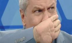[VÍDEO] Sikêra Júnior chora ao comentar perda de patrocinadores