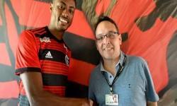 Diretor do Flamengo é alvo de investigação em caso de propina na Petrobras