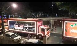 ASSISTA: Caravana de Natal da Coca-Cola passa por João Pessoa