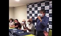 ASSISTA: Momento em que João Azevêdo anuncia Léo Bezerra como vice de Cícero
