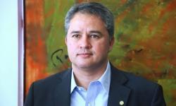 ASSISTA: Efraim recebe comitiva de prefeitos em Brasília e reafirma: