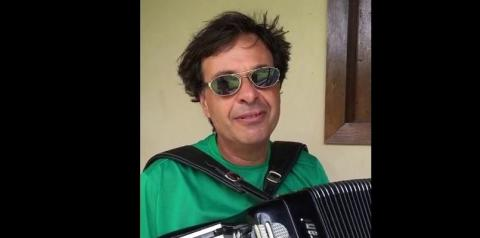 Bolsonaro exonera técnico e nomeia sanfoneiro na Embratur