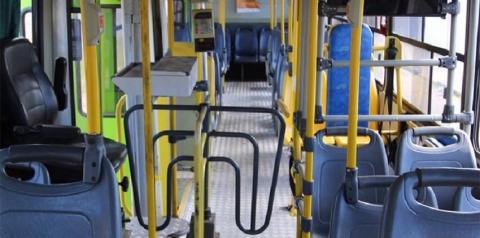 Criminoso infarta e morre durante assalto a ônibus; comparsas fugiram