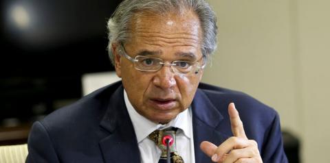 Ministro Paulo Guedes prevê redução de até 50% no preço do botijão de gás com abertura de mercado