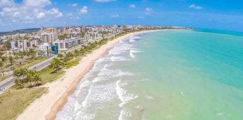 João Azevêdo autoriza pacote de R$ 43,6 milhões em obras de saneamento e lança campanha Praia Limpa