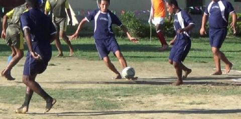 Partida de futebol 'amigável' entre facções dentro de prisão termina com 16 detentos assassinados
