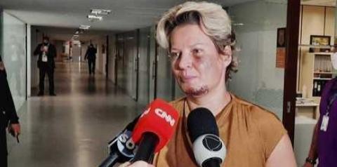 Deputada presta depoimento à polícia sobre ataque