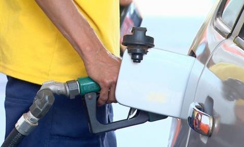 Preço do litro da gasolina cai novamente e já é comercializado a R$ 3,86 em JP