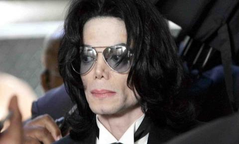 'Ele era um predador sexual', diz advogada que denunciou Michael Jackson