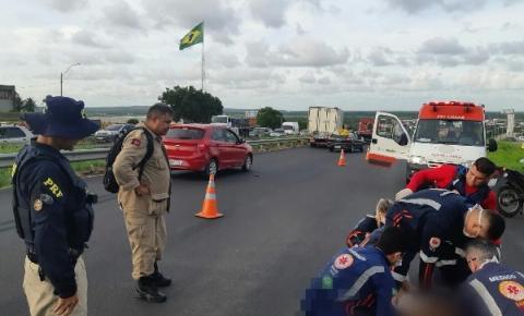 Homem atropelado na BR-230 é socorrido em estado grave