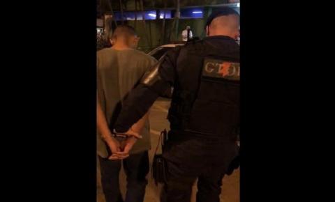 Vídeos: PM prende soldado do Exército que roubou carro e tentou fugir
