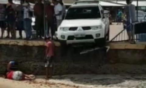 Mulher é atropelada por caminhonete no pátio da balsa de Cabedelo