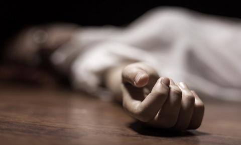Idoso é preso por viajar com esposa morta no banco do passageiro