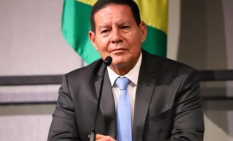 Mourão diz que governo falhou em comunicação sobre cortes do MEC
