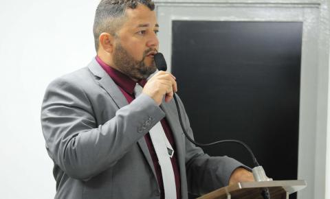Inaldo Andrade solicita ações 'tapa-buraco' em Bayeux