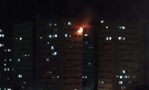 Idosa de 75 anos morre carbonizada durante incêndio em apartamento