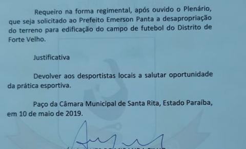 Atendendo pedido de Anésio Miranda, prefeito Emerson Panta assina ordem de serviço para construção de campo de futebol em Forte Velho