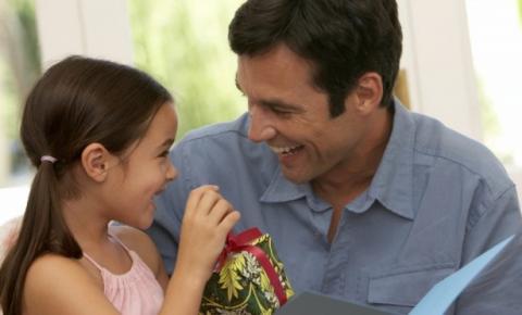 Procon pesquisa preço de itens para compras do Dia dos Pais em Santa Rita