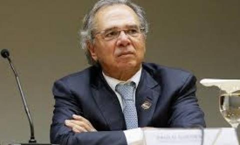 Paulo Guedes anuncia que rombo será R$ 60 bi menor que o previsto pelo governo