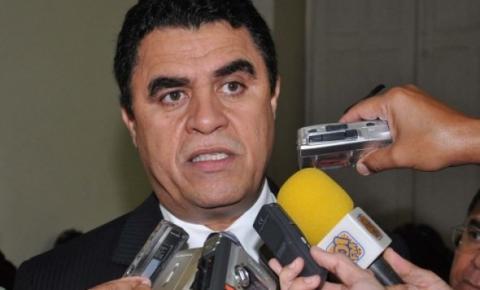 Deputados revertem decisão do STF e Wilson Santiago está de volta ao mandato