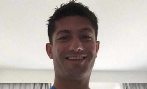 Aos 38 anos, ex-jogador é encontrado morto em apartamento que dividia com a namorada