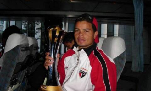 Campeão mundial revela que vendeu medalha por vício: 'Torrei quase tudo na cocaína'