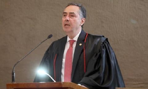 É preciso armar o povo com educação e ciência, diz Barroso em posse no TSE
