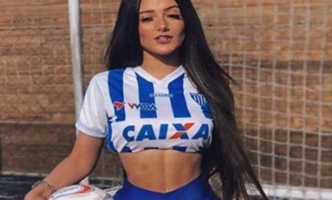 Fotos! Com apenas 19 anos, musa de clube atrai fãs com fotos sensuais no Instagram