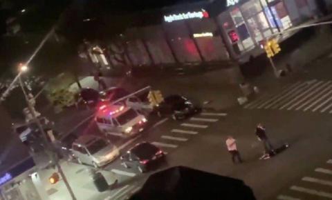 George Floyd: VÍDEOS FORTES mostram policial sendo espancado e outro sendo atropelado durante protestos em NY