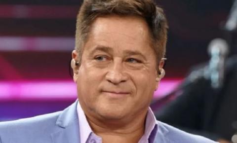 Cantor sertanejo revela que mantinha relações secretas com garotas de programa