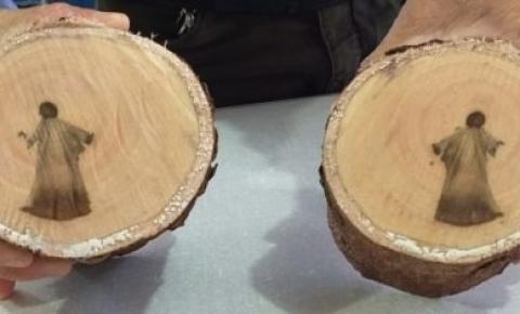 'Imagem de Jesus' aparece em tronco de árvore no MS
