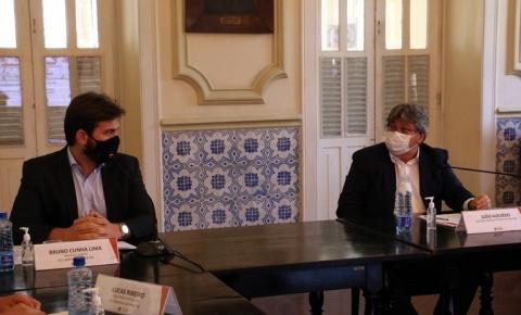 João Azevêdo discute com Bruno Cunha Lima ações integradas de enfrentamento da pandemia e plano de vacinação para CG