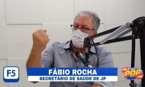 """""""Tirar a máscara e encher a cara de cachaça é uma atitude criminosa e irresponsável"""", diz secretário de saúde de JP"""