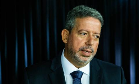 Candidato de Bolsonaro, Arthur Lira consegue o apoio de 6 deputados paraibanos na disputa pela presidência da Câmara Federal