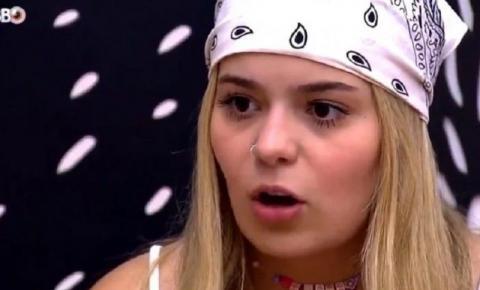 'BBB 21': Sister seca a boca com toalha que passou nas partes íntimas; vídeo