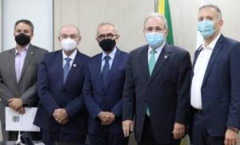 Cícero se reúne com o ministro da Saúde para garantir mais medicamentos e equipamentos para atender João Pessoa