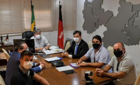 Prefeito do PSDB declara apoio à reeleição de João Azevêdo