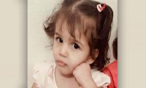 Menina de três anos morre após pai obrigá-la a sentar em água fervendo